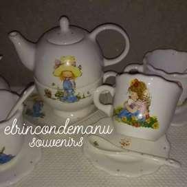 Souvenirs personalizados en cerámica y vidrio