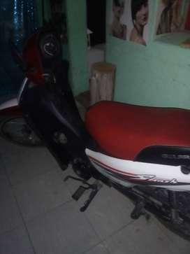 Vendo o permuto moto por un auto..más efectivo a favor del comprador