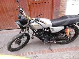 Moto AKT en buen estado