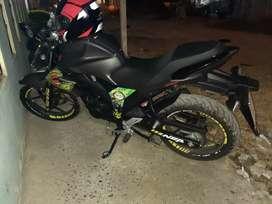 Vendo moto suzuki cilindraje .150. Poco uso ,$3000