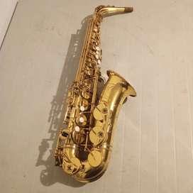 Vendo saxofón