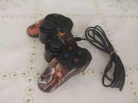 Se vende control video juegos