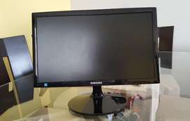 monitor phillips 19 y LED 24 con sus cables