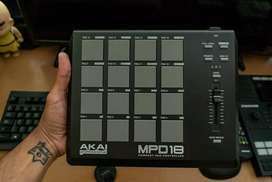 Se vende controlador Akai MPD 18 - Estado 9/10