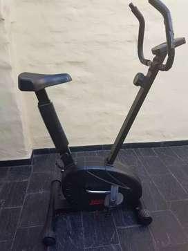 Bicicleta fija magnética Semikon