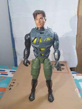 Vendo figura de max steel original .