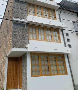 venta casa nueva 4 pisos en Cajamarca