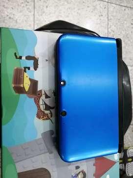 Nintendo 3DS XL con R4 memoria de 8gb y 500 juegos de segunda
