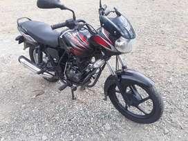 Vendo moto discover 100 s en buen estado seguro tecnomecanica  trapaso el seguro tiene 20 días de sacado de rivera