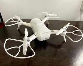Drone con cámara 4k marca Yuneek Breeze usado