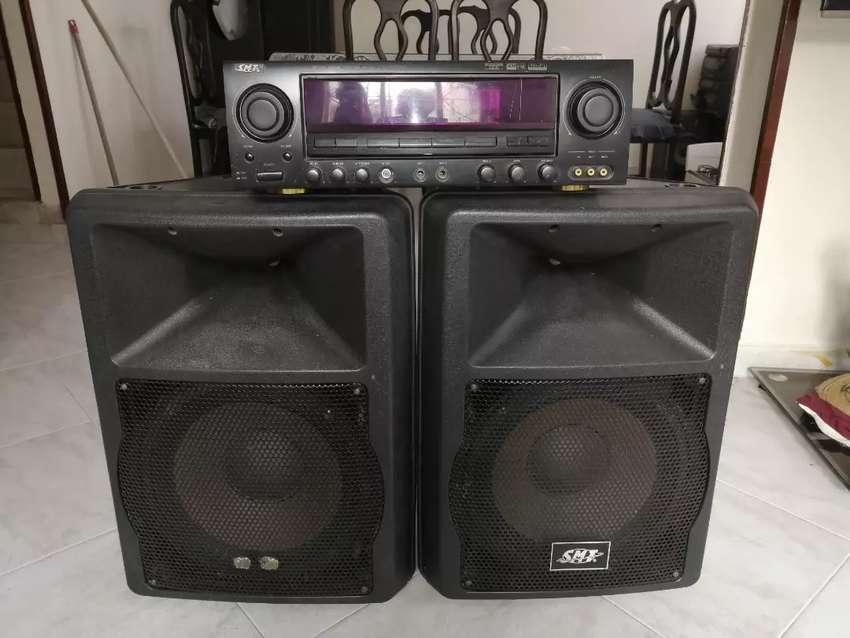 Amplificador y dos bafles 0