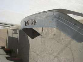 repuesto peugeot, paragolpe trasero peugeot 504 con soportes metalicos para sujeccion