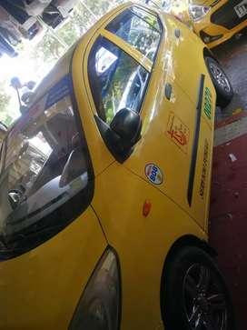 Carro en muy buenas condiciones  recién reparado aire acondicionado full equipo
