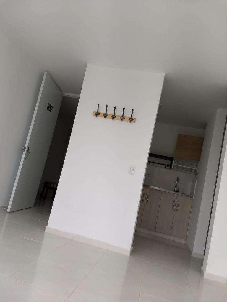 Busco persona sola para compartir apartamento 0