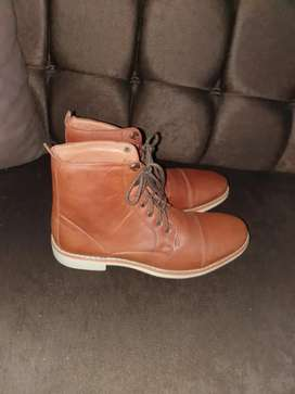 Zapatos S & J Leathers