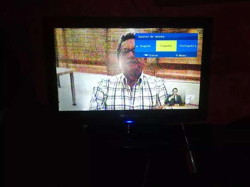 Vendo televisor pequeño led 21 0