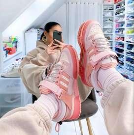 Zapatos bad bunny rosados