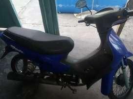 Vendo moto titulo 08 firmado
