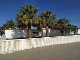 Casa White Playa Colán, Perú