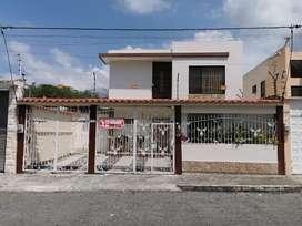 SE VENDE Casa en Esmeraldas, Urb. Malibú