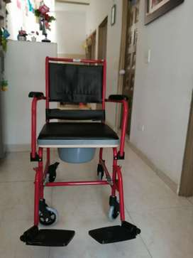 Se vende silla de ruedas nueva para 100 kilos