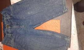 oferta Bermudas de jeans de grisino para varon de 6 a 8 años.