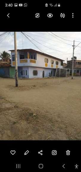 Casa de dos pisos  con todos los acabados  título  de propiedad todos los servicios