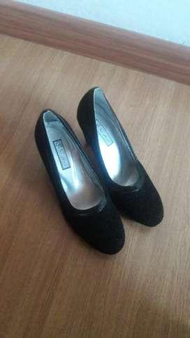 Zapatillas Negras Nuevas