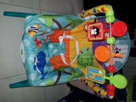 Artuculos para bebe. Silla mecedora vibradora  .gimnacio con juguetes .campi color turqui. Todo esta  con muy poco uso.