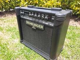 Amplificador de Guitarra eléctrica/electroacústica Behringer, 15 watts, excelentes condiciones.