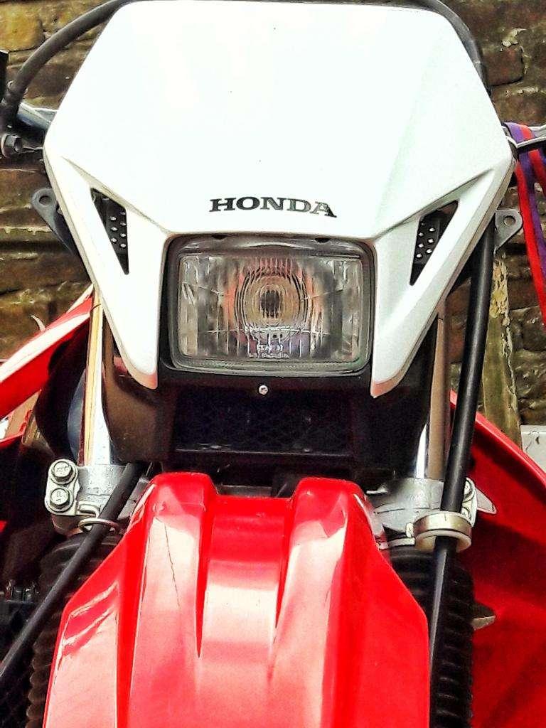 Honda Tornado 0