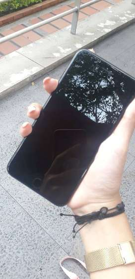 se vende iphone 7 plus buen estado