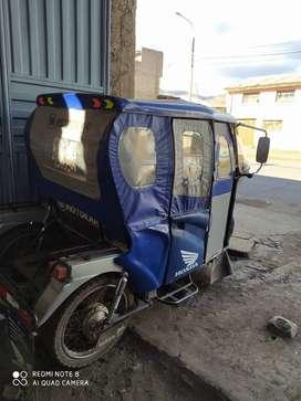 Vendo moto taxi motor en buen estado