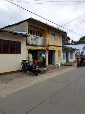 Hermosa Casa con Dos Locales Comerciales