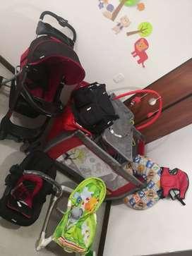 Combo Bebé Corral + Coche + Silla para Carro + accesorios