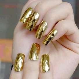 Urgente se necesita manicurista y estilista