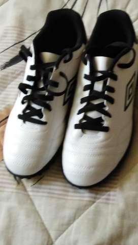 Zapatillas marca umbro