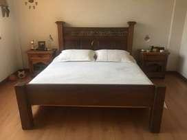 Hermosa cama rústica en madera