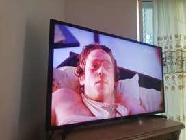"Se vende TV Smart de 42"" 2 meses de uso"