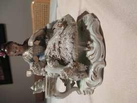 Estatuilla Antigua De Cerámica Esmaltada, Estilo Versalles
