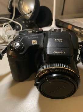 Cámara digital semi profesional Fuji FinePix S7000