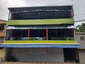 Edificio Comercial con 5 locales