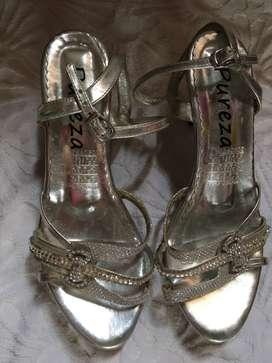 Zapatillas de 15- tacón bajo
