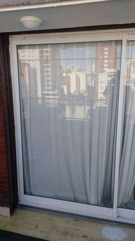 Ventana corredizas de aluminio linea Modena, con vidrios de seguridad 3+3 mm, medidas 2,4 m x 2 m de altura. 3 unidades
