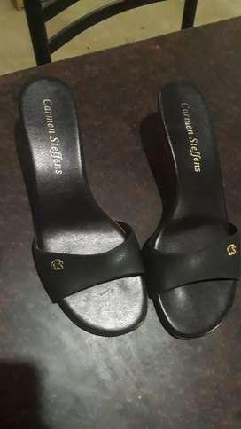 Vendo sandalias de marca talle 38