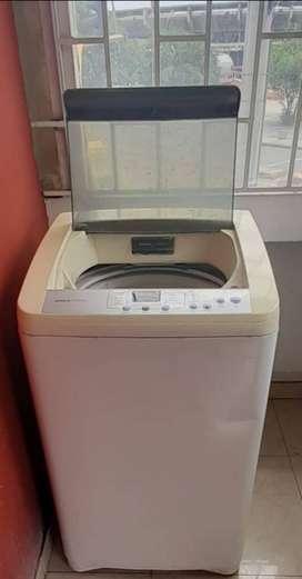 Lavadora marca electrolux 12 libras 280.000