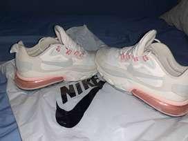 Nike Air react 270