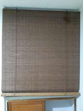 Se vende persiana en madera