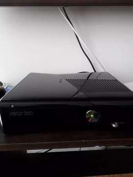 VENDO XBOX 360 5.0 en buenas condiciones