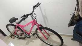 Bicicleta mediana en perfecto estado